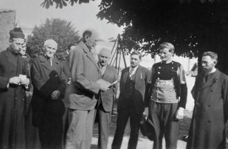 Le comte Hervé de Guébriant et M. Alain Hervé