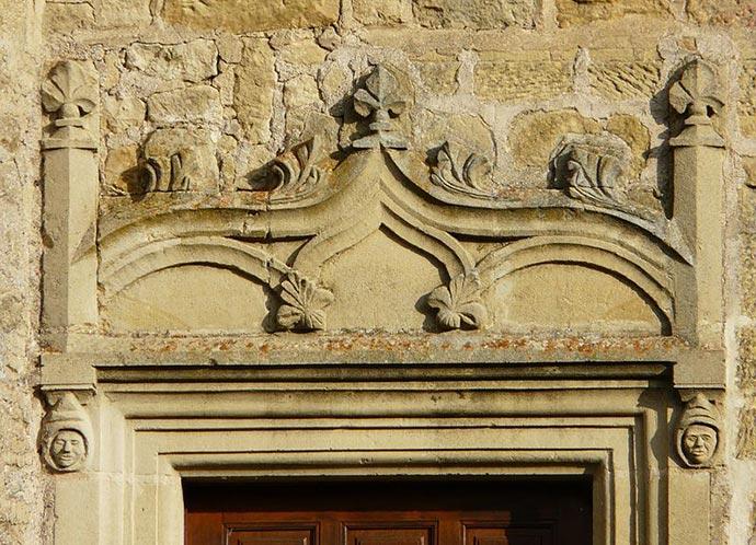 lalinde-chateau-sauveboeuf-porte-linteau