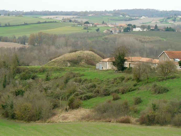 La Motte de Bourzac sur la commune de Nantheuil