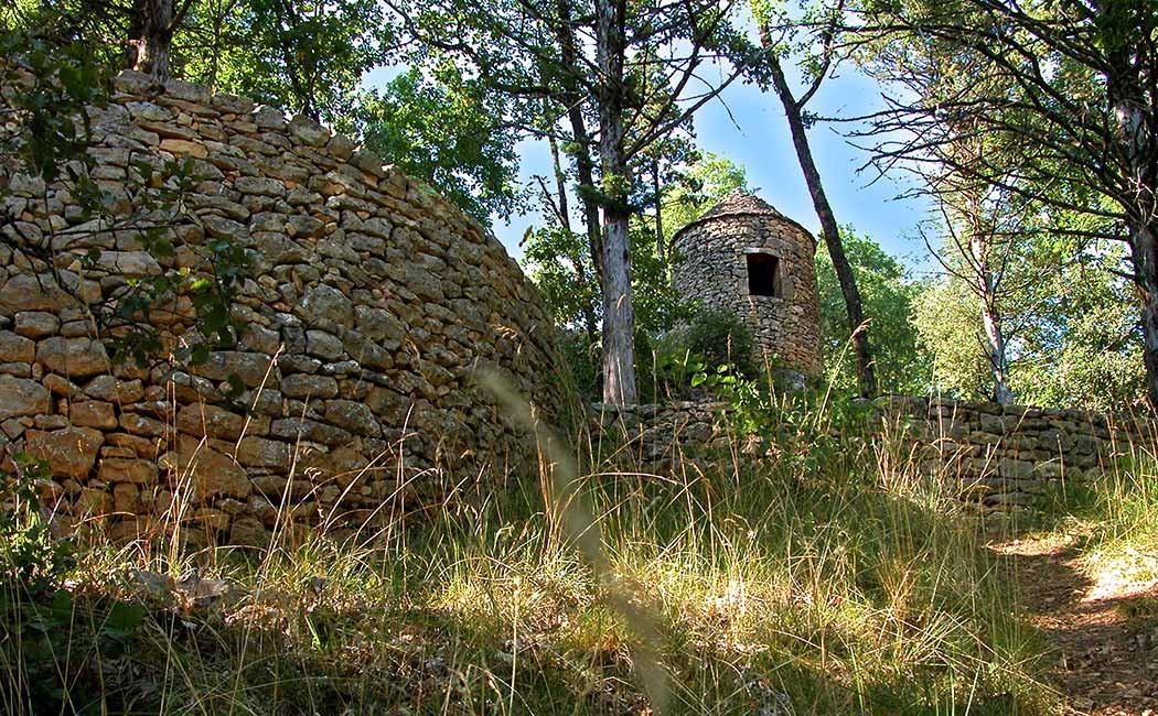 Maison pierre seche affordable pices maison la vente - Maison en pierre seche ...