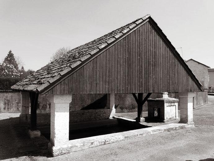 Le lavoir du bourg, Quinsac, Dordogne