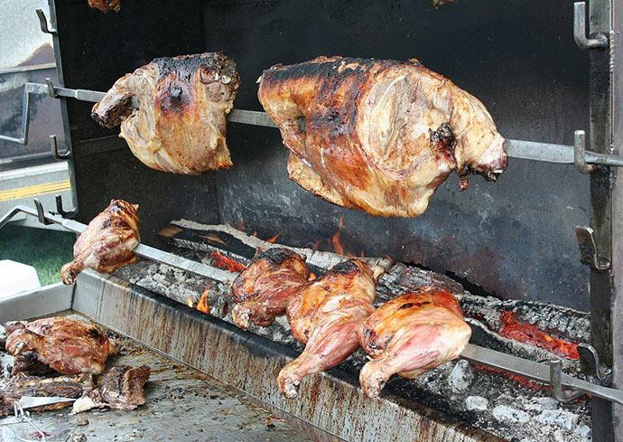 L'agneau du Périgord dans l'assiette : un gigot d'agneau- à la rotissoire-