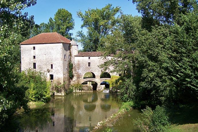 Moulin de Loubens, en Gironde, sur le Dropt